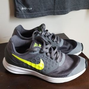 Charcoal Grey/Lime Green Nike Sneakers